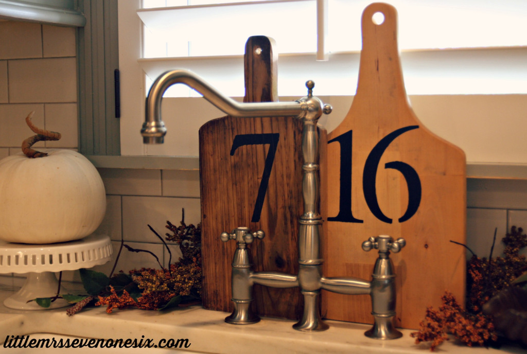 House number cutting boards